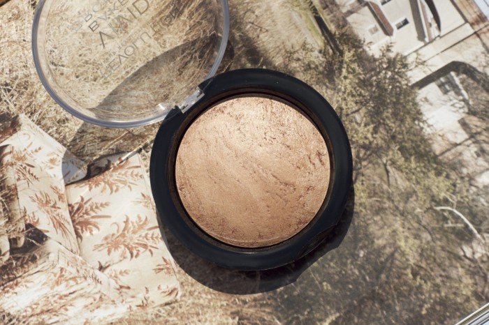 Made From Beauty 5 Under £5: Complexion Makeup Revolution Baked Bronzer Ready to go Open