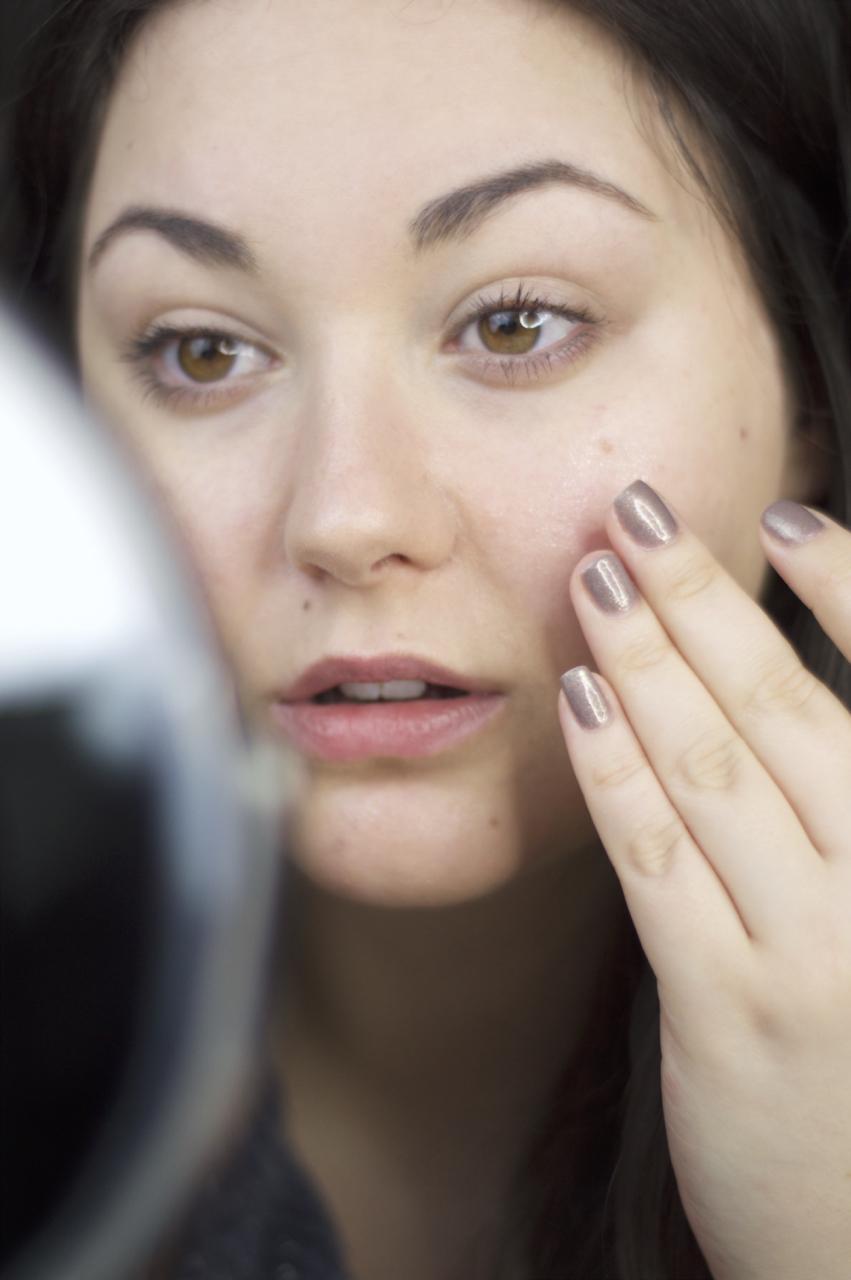 Made From Beauty no makeup applying estee lauder advanced night repair serum