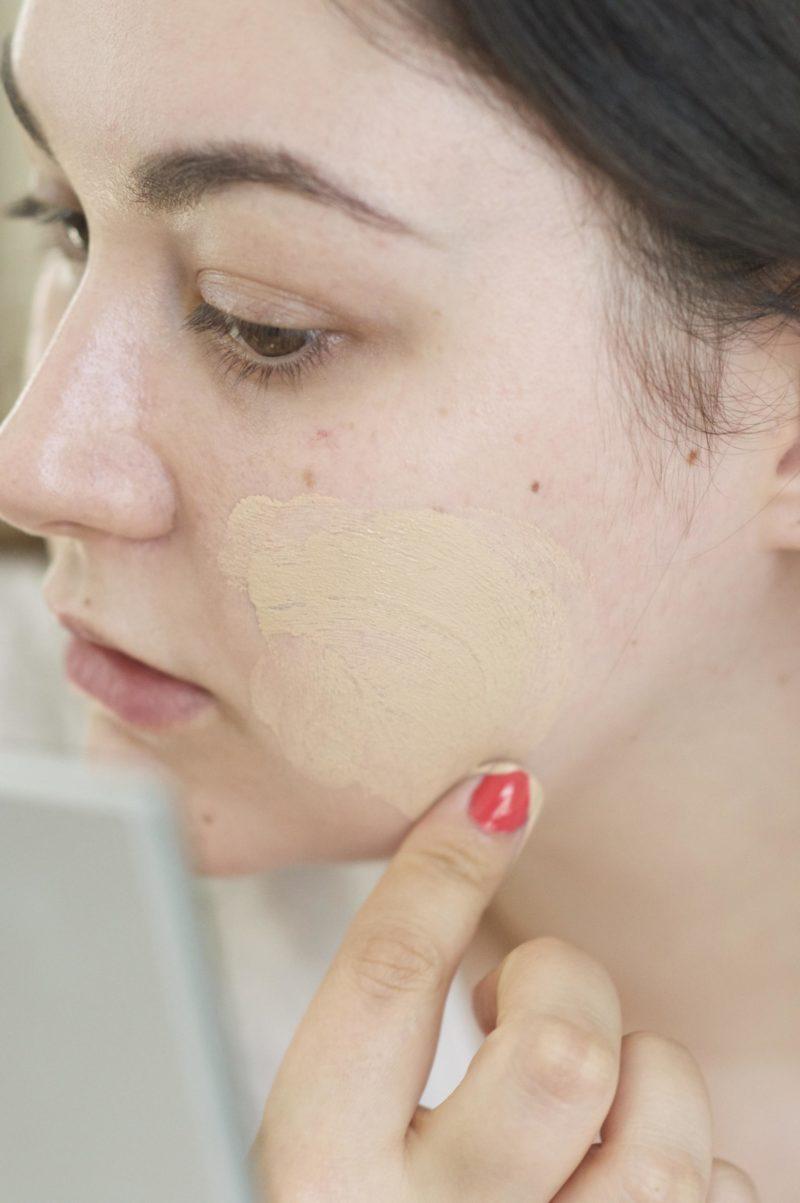 Rimmel Fresher Skin Foundation Application