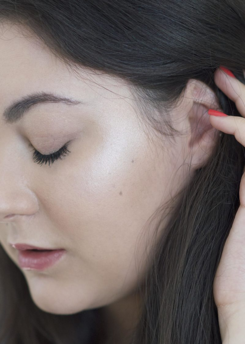 Wearing L'Oreal True Match Powder Highlight in Icy Glow