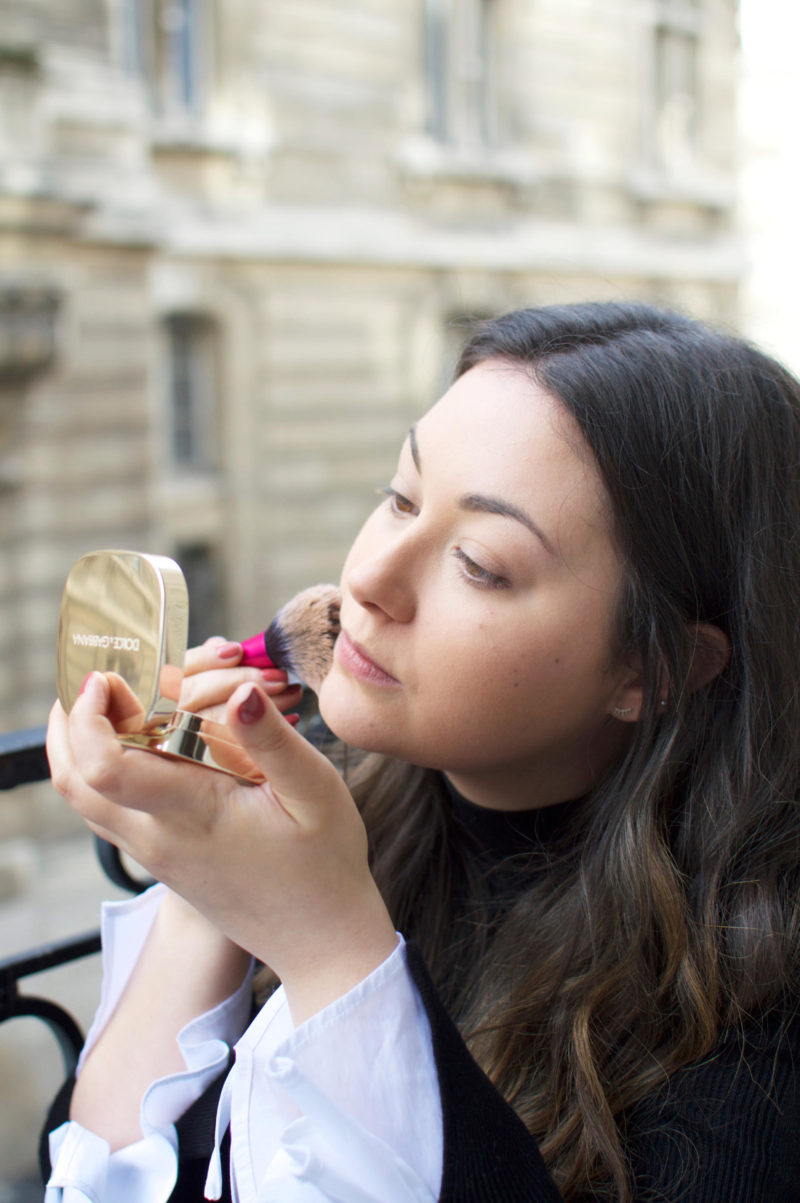 Dolce & Gabbana Perfect Finish Powder Foundation Applying