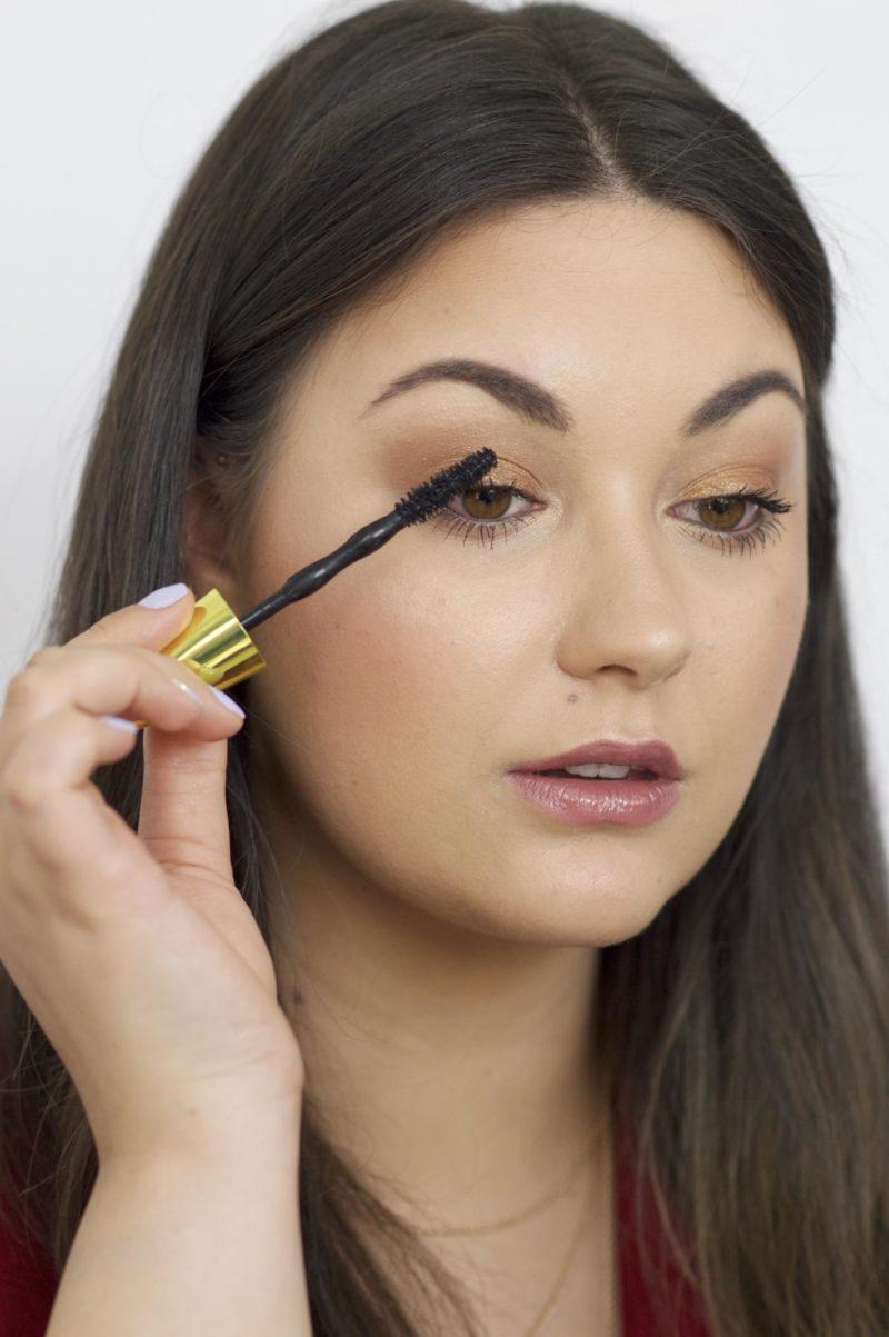 Applying The Maybelline Colossal Big Shot Mascara