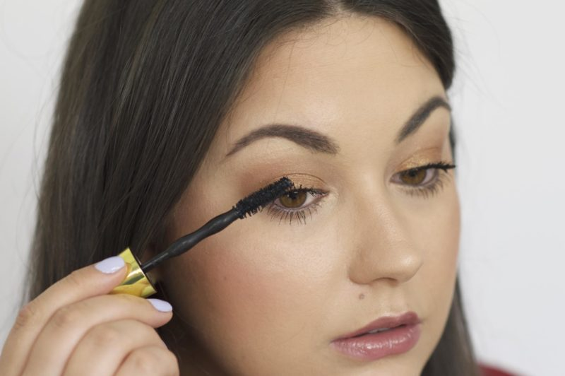 Tutorial the Maybelline Colossal Big Shot Mascara